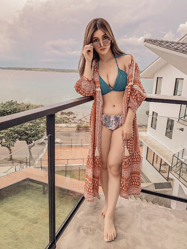 Bikini, Spektre Eyewear, Spektre clio